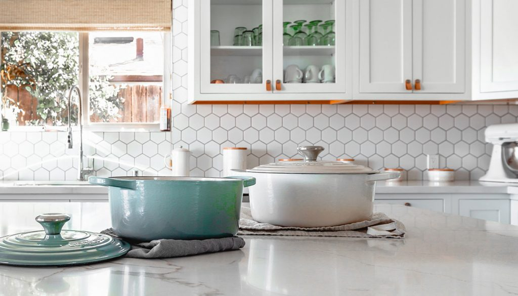 Clean pots on the kitchen counter