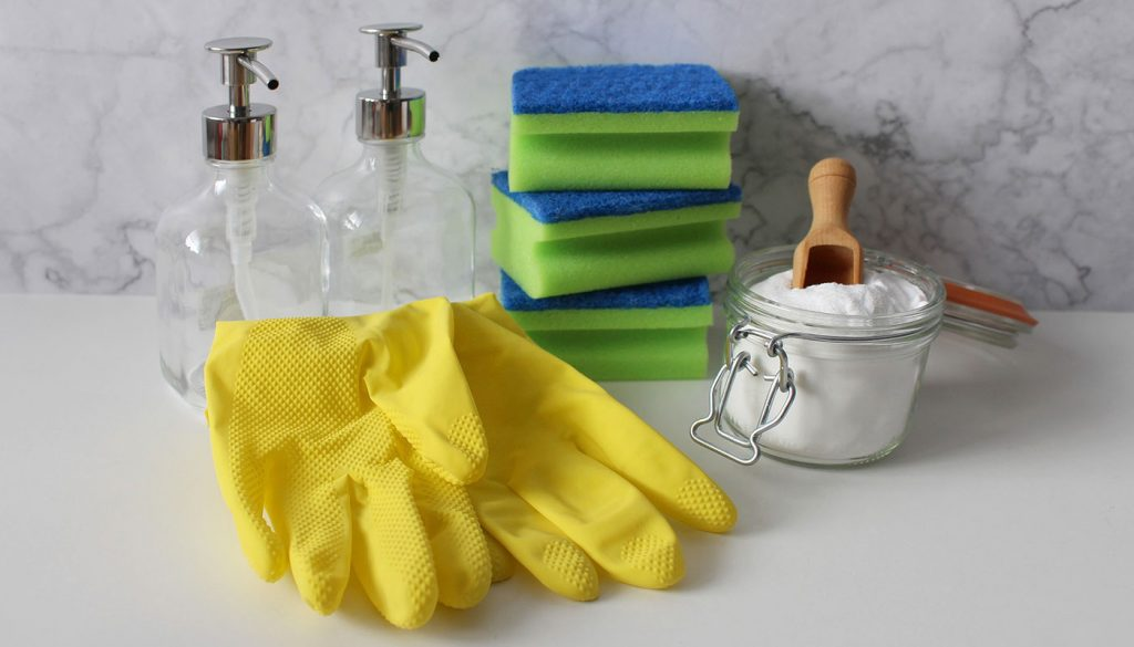 Cleaning sponges with baking soda